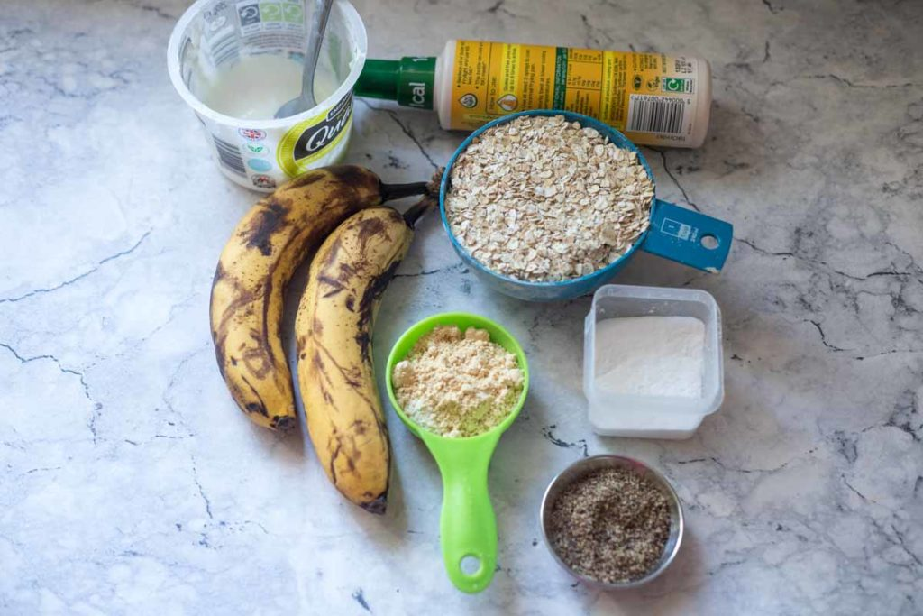ingredients for peanut butter banana baked oatmeal