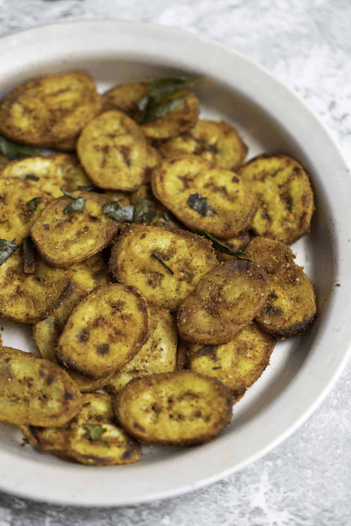 aratikaya fry served in a plate